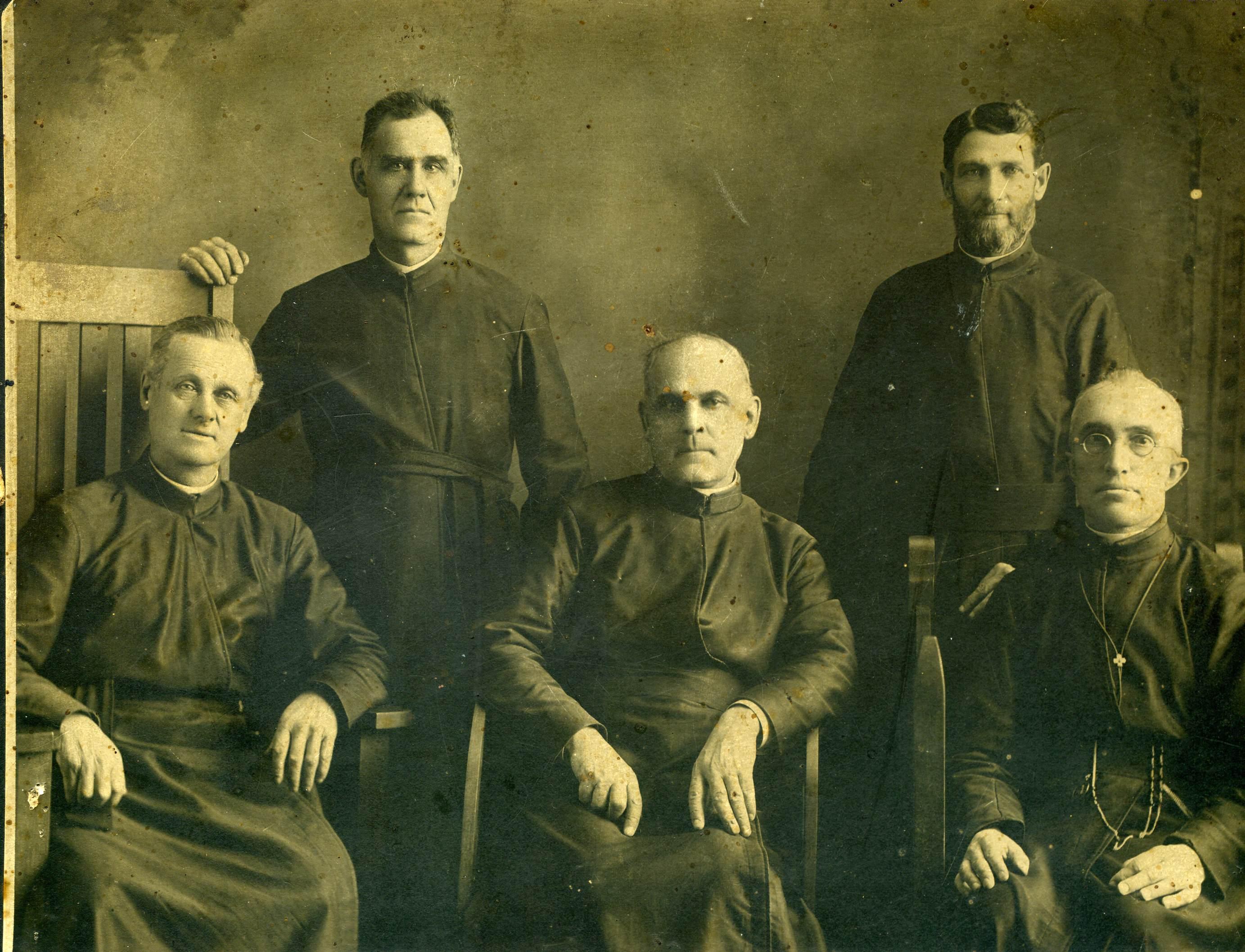 Prêtres 1908